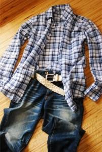 長袖、長ズボンの着用や虫よけなどを使用して感染予防を
