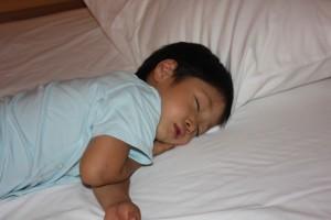 子どもの成長期は徐波睡眠が非常に重要