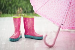 雨の日に体のどこかが痛み出すことはありませんか