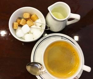 コーヒーはカルシウムを排出する