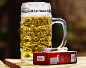 30代は冷えや飲酒、喫煙が鼻ニキビの原因に