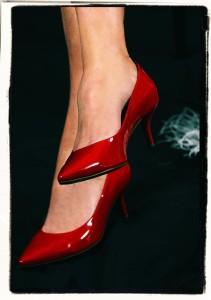 ハイヒールを履くことが多い人ほど足底筋膜炎を発症しやい