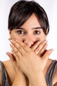 歯周病も重症化するまで気がつかない病気の一つ