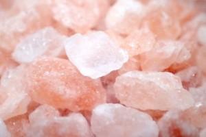塩洗顔は塩に含まれるミネラル分がとても重要です