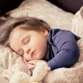 子供が寝ながら咳をする-咳は何らかの異常を知らせるサインです。