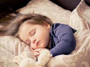 乳児肥満にならないためには、3歳時の生活習慣が大切です。