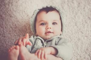 赤ちゃんはいつごろからしっかりと見ることが出来るのでしょうか?