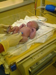 母子別室の場合、赤ちゃんは新生児室で預かられます