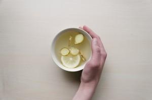 生姜湯など身近で飲みやすいものからチャレンジしてみると良いでしょう