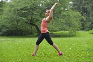 筋肉をほぐすマッサージやストレッチを行うことも効果的