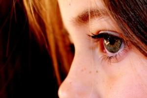 涙は涙腺で常に作られている