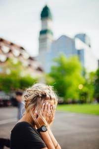涙が出てくるというのは、プチ鬱の可能性があります