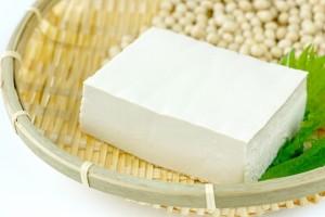 カルシウムは大豆など様々な食品に含まれています。