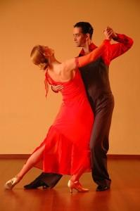 dancing-929818_640