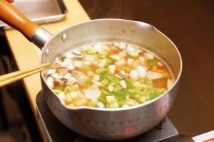 一番簡単なのが味噌汁に入れる方法!
