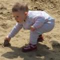 砂場で怪我をした時、どんな応急手当をしたらいいの?