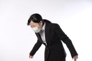 0705e7142d0efaba31f3fa08fabc3d1b_s 女性 咳 風邪 マスク
