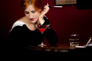 アルコールで欲求をコントロールできない