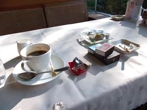 a8539e9903b17ebe723028ea4d61255e_s タバコ たばこ 煙草 コーヒー 珈琲 カフェ