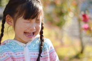 d07433943c2e7432c94dc985f4d2fd60_s 子供 子ども 女の子 泣き顔